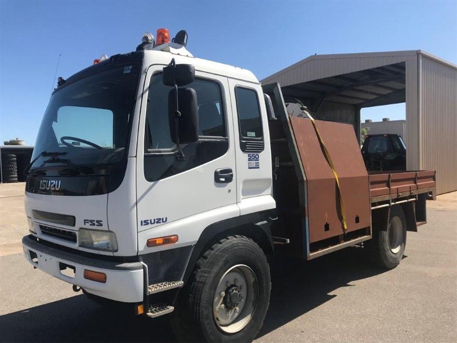 2002 Isuzu Sitec 200 4 x 4 Tray Body Truck