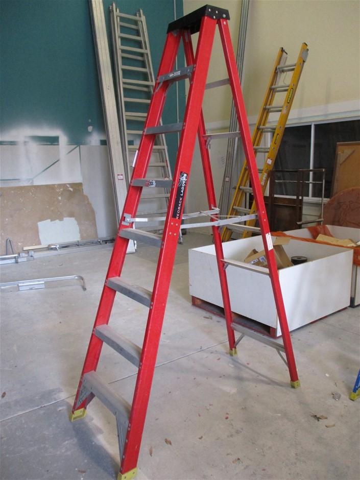Redback Ladders RBLFSS240 Single Sided Step Ladder