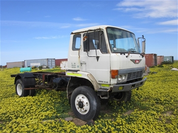 Hino GT173X 4x4 Cab Chassis Truck