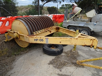 HPO5 Tow Behind Roller