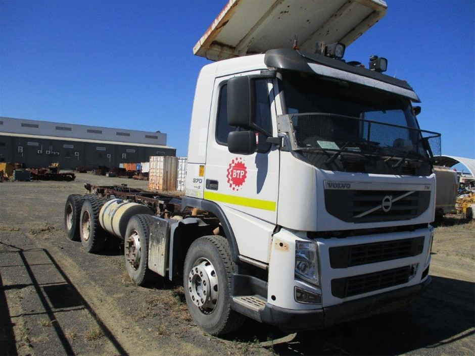 2012 Volvo KM MK2 370 8 x 4 Cab Chassis Truck