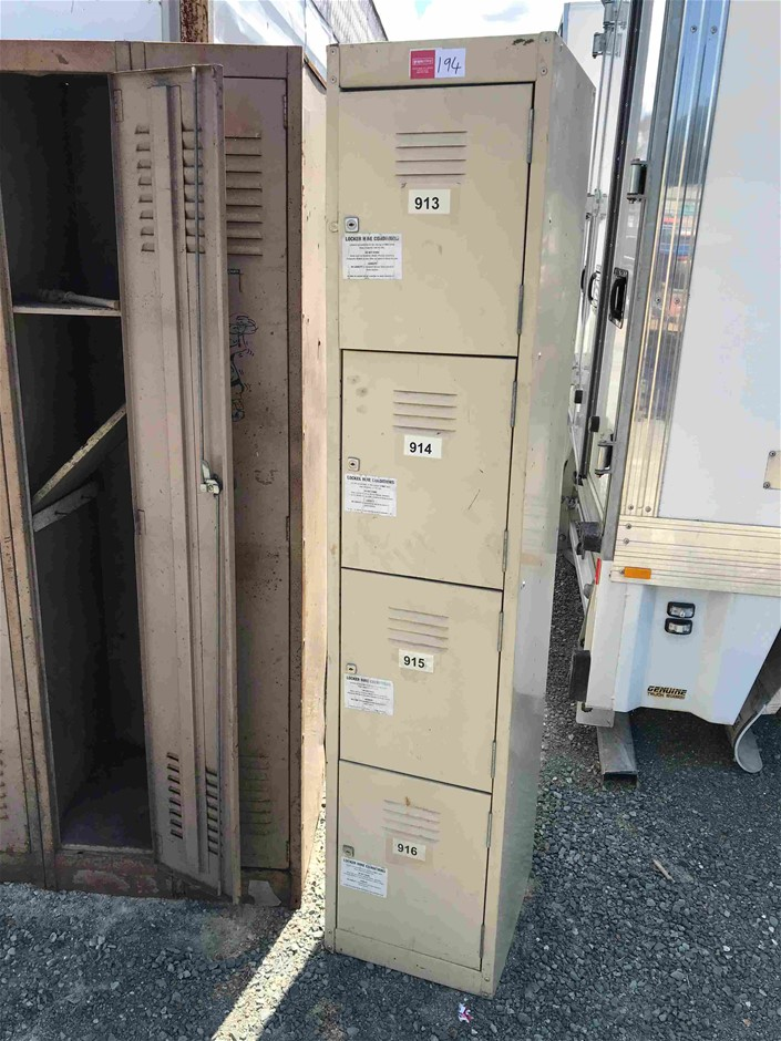 1x 4 Door, Banks of Lockers Item condition is `Used`, please refer