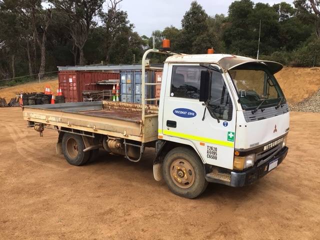1995 Mitsubishi Canter 4 x 2 Tray Body Truck (See Grays Note)