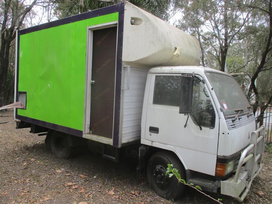 1994 Mitsubishi Canter L 4 x 2 Ice Cream Truck