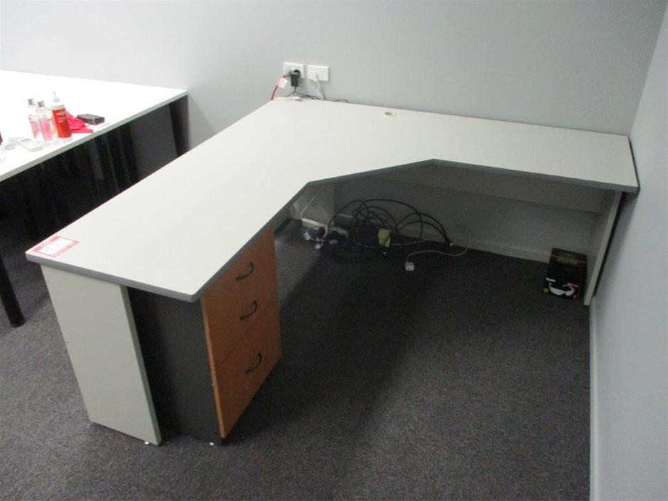 Desk & Drawer Unit