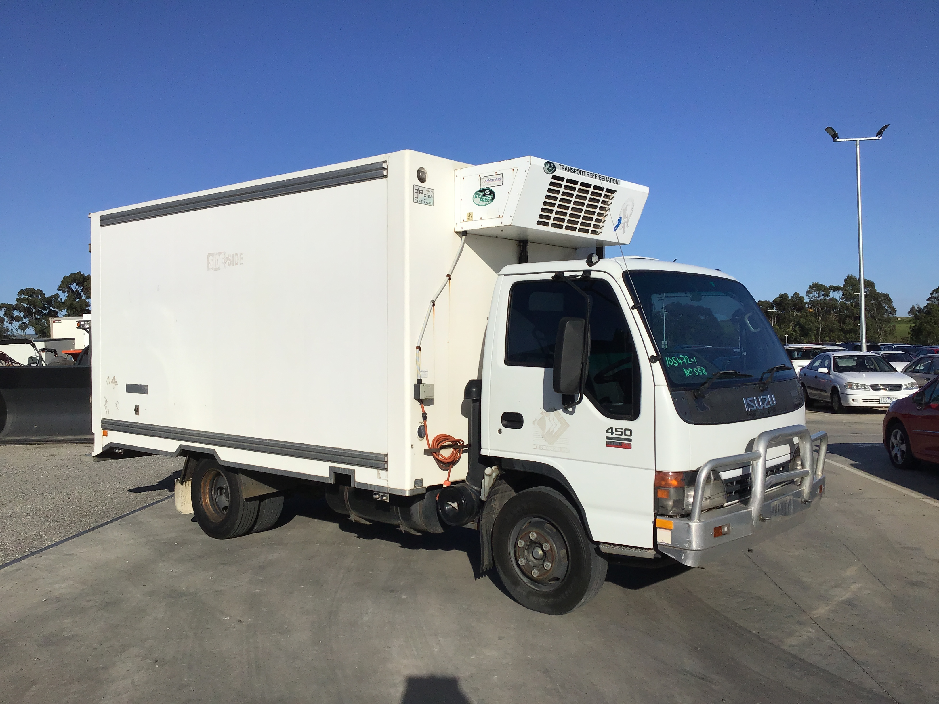 2005 Isuzu NQR 450 Medium 4 x 2 Refrigerated Body Truck