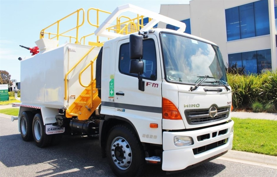 2012 Hino FM500 Automatic Water Truck 80,365km's