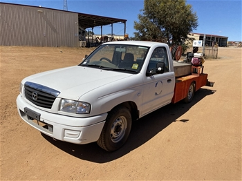 2005 Mazda 4 x 2 Ute with Fire Fighting Unit