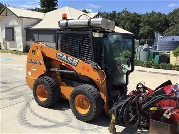 Case SR250 Skidsteer loader with Trailer & Attachments
