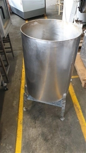 Stainless Steel Tank with Outlet