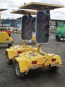 1x Pair Mobile Traffic Lights