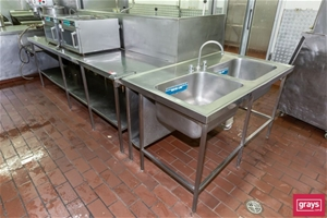 """Preparation Bench with """"L"""" shape section"""