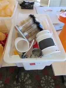 1 x Tub of Miscellaneous Kitchenware