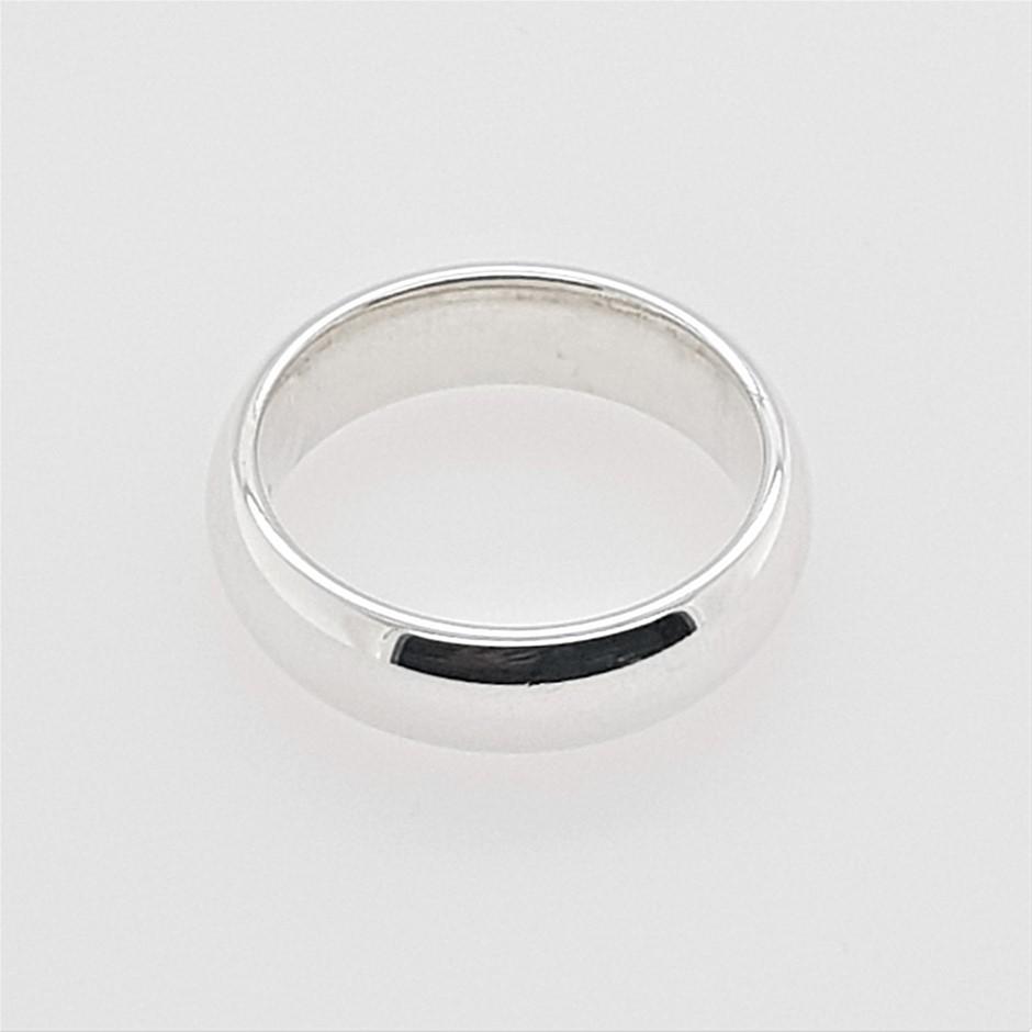 Thomas Sabo Round Medium Love Band Ring.