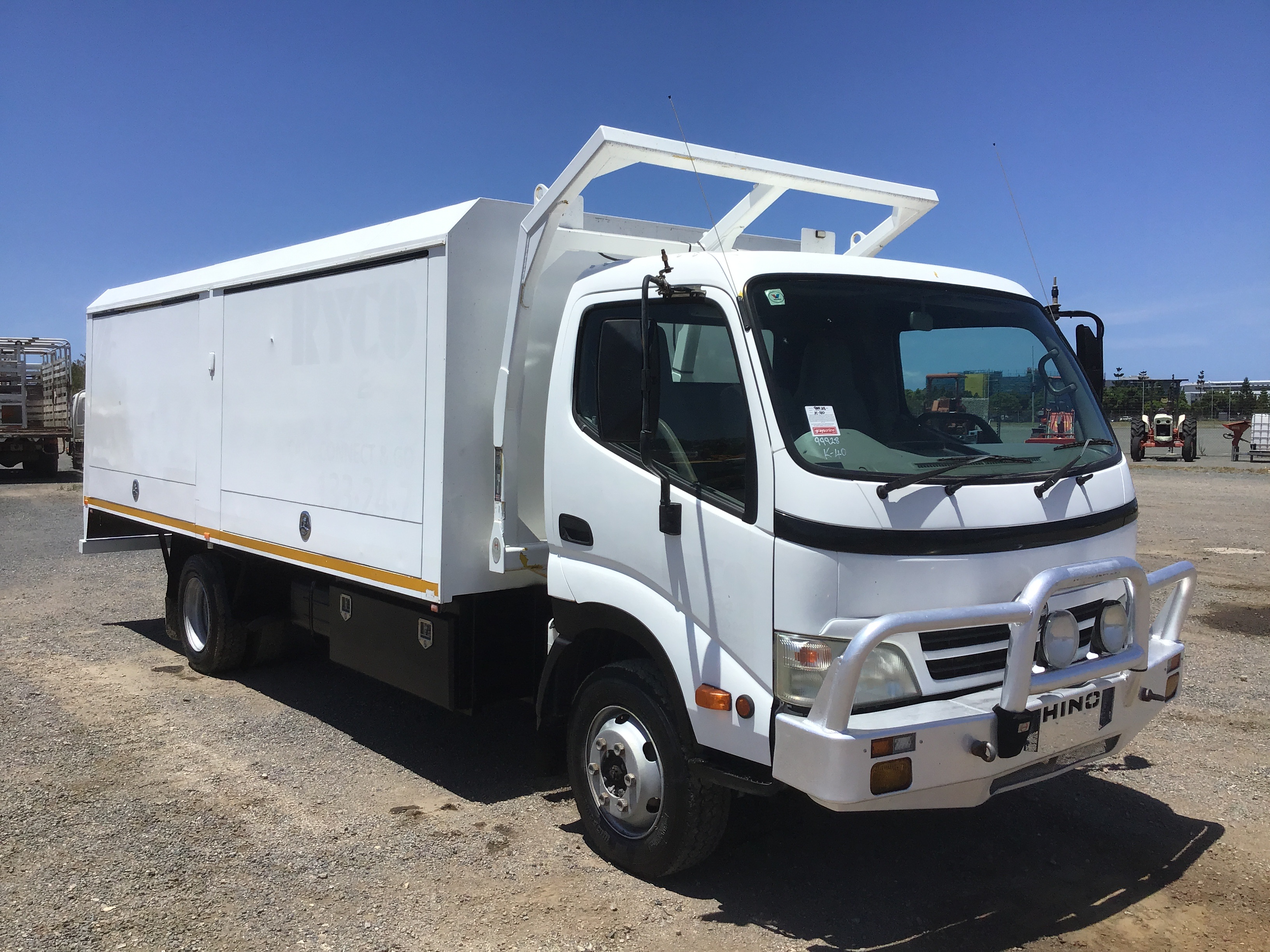 2008 Hino 300 4 x 2 Service Truck