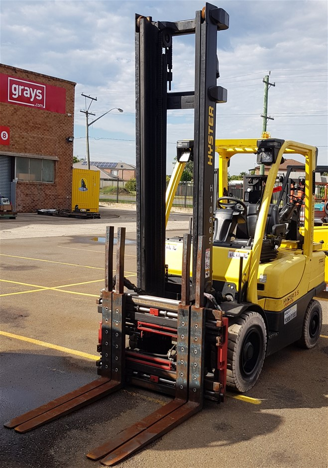 2014 Hyster Fortens H3.5FT 3.5 Ton Gas Counter Balance Forklift