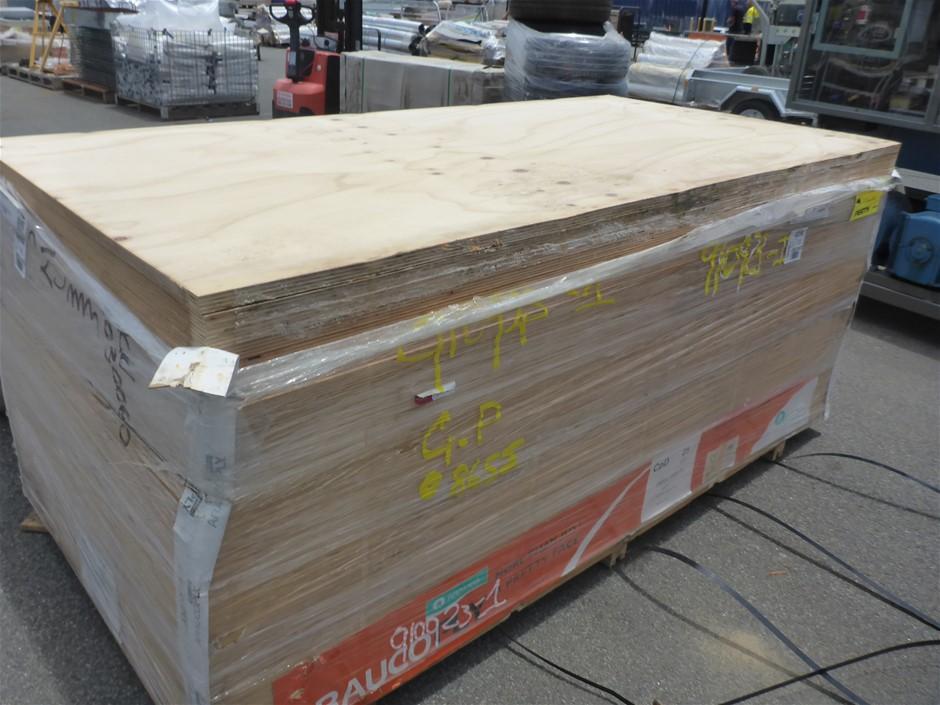 1 x Sheet of Chilean Radiata Pine CPD Exterior Plywood - App 2400x1200x25mm