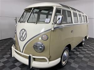 1966 Volkswagen Kombi Samba 21 Window 8