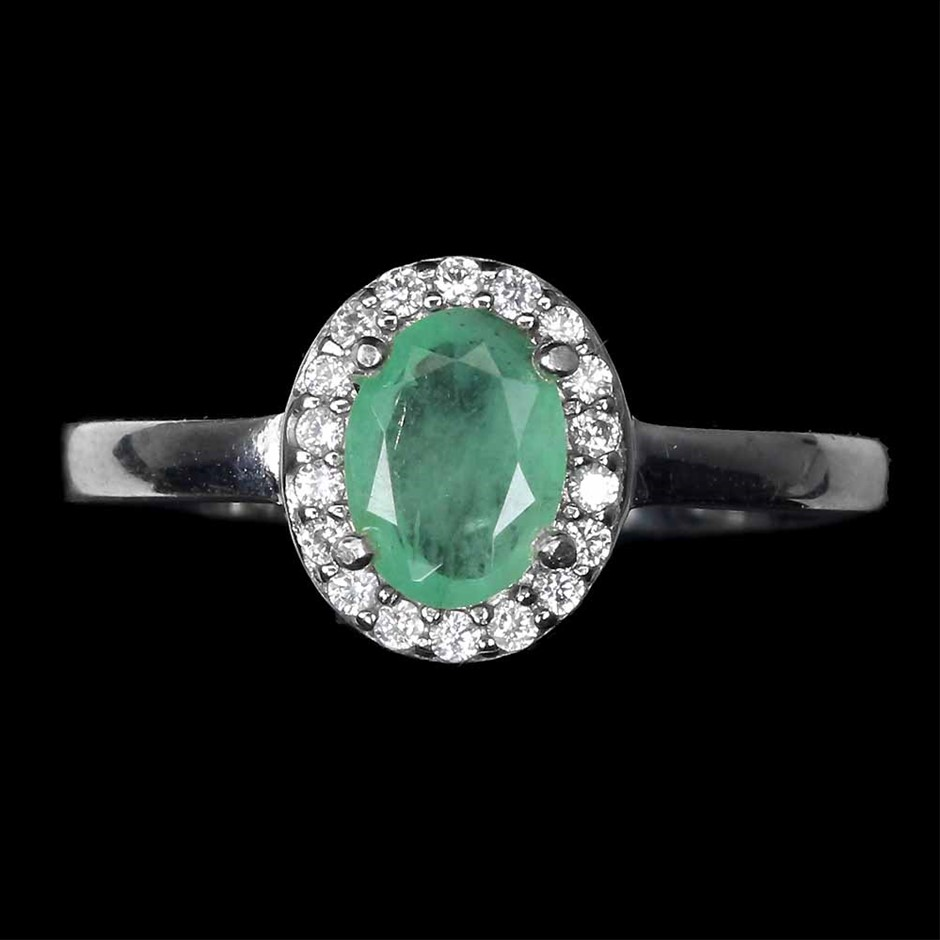 Beautiful Genuine Emerald Ring.