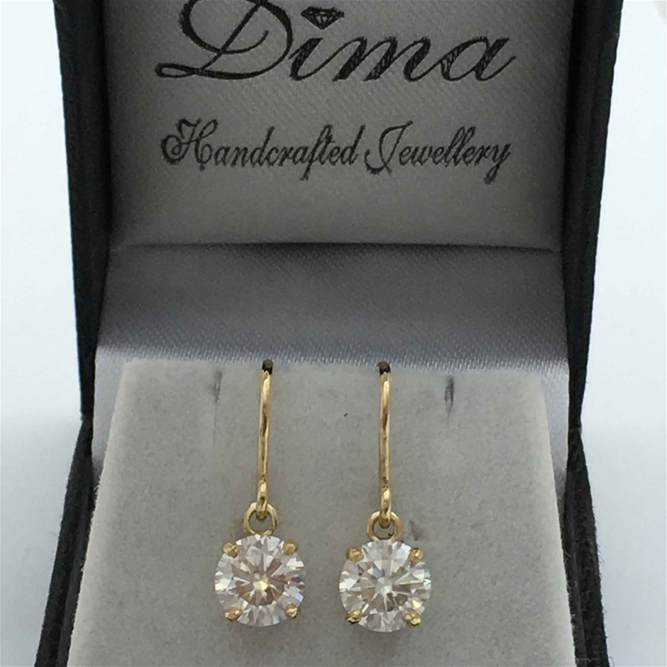 9ct Yellow Gold, 2.56ct Moissanite Earring