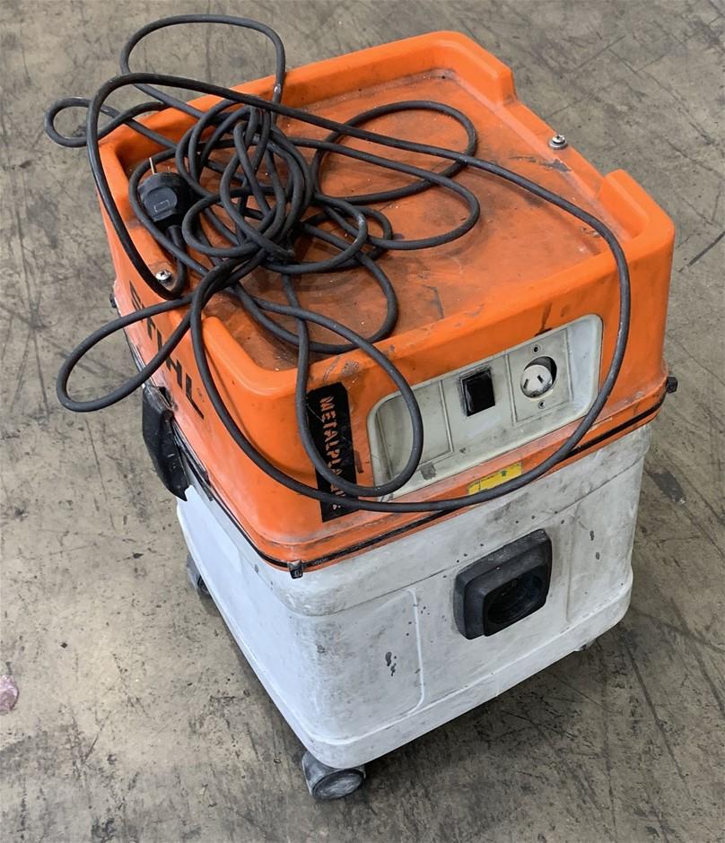 Stihl SE100 Wet and Dry Vacuum Cleaner