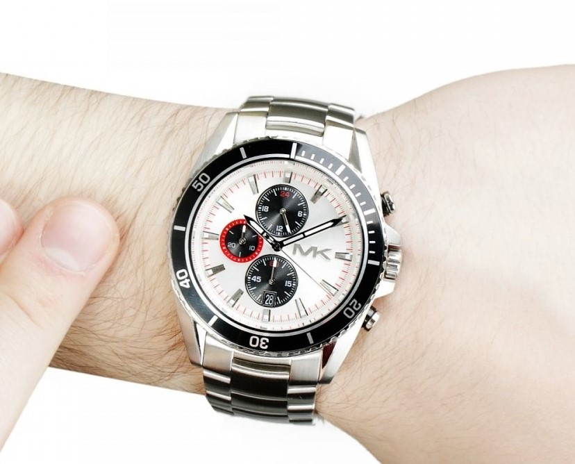 Mens new Michael Kors couture masculine & sporty chrono watch.