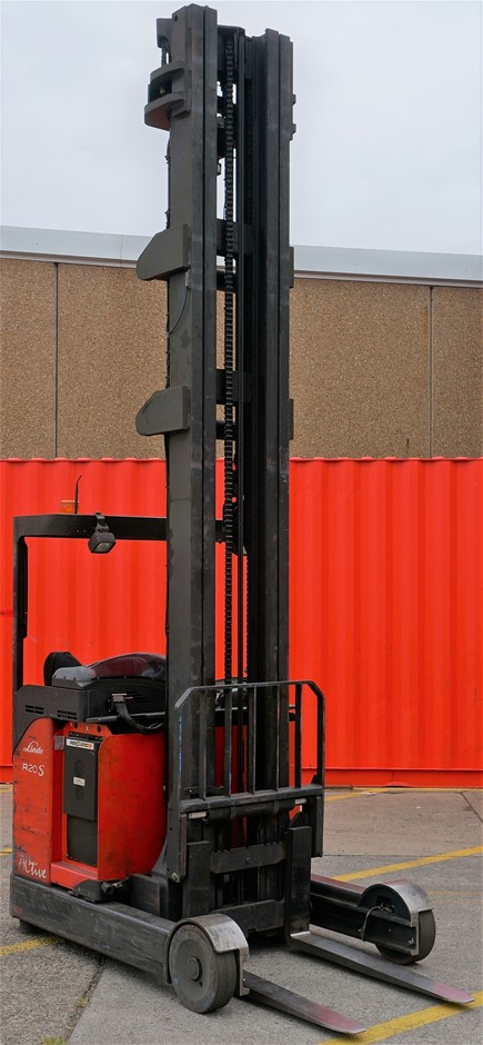 2011 Linde R20S-12 Electric Ride On High Reach Forklift