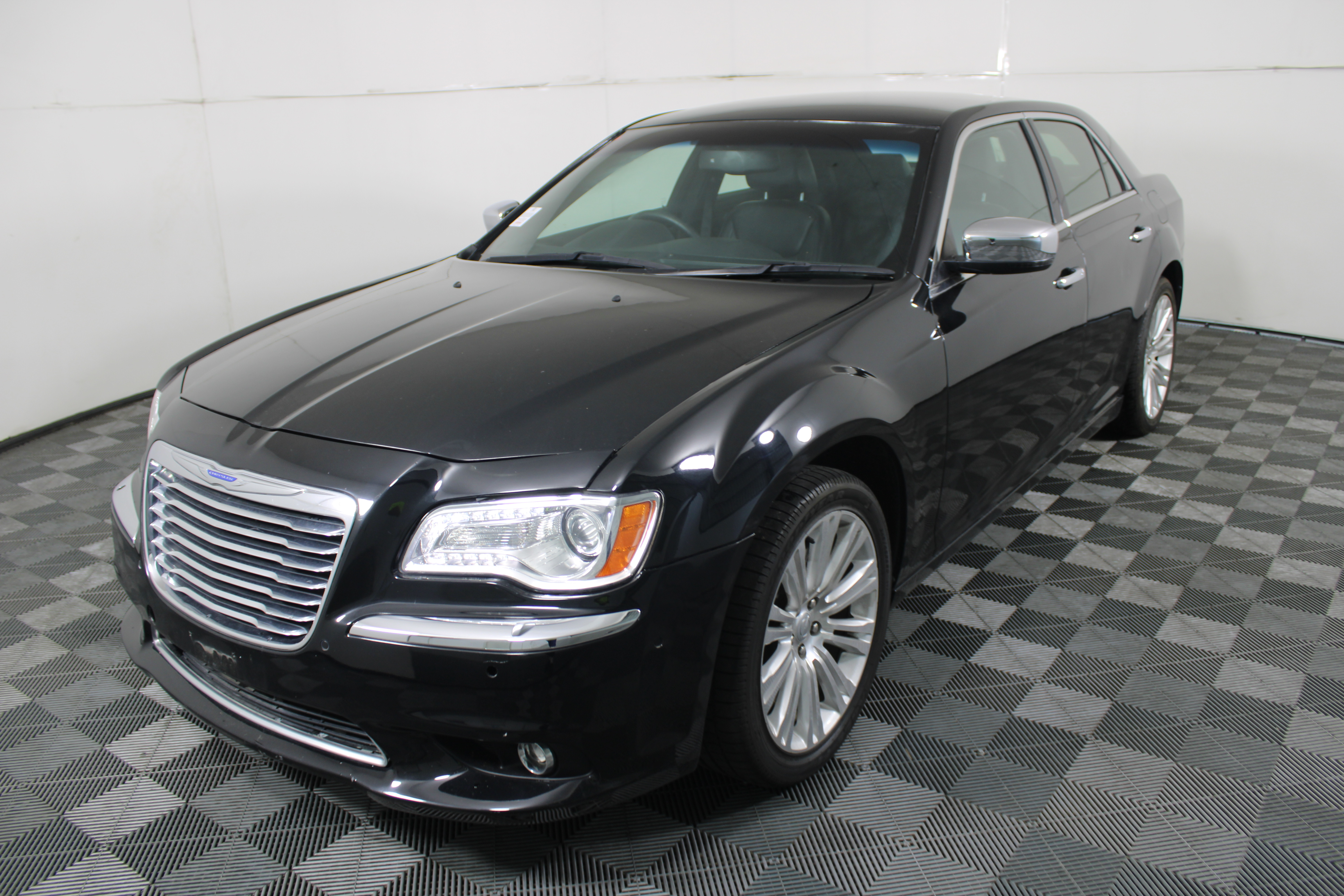 2013 Chrysler 300 C LX Automatic - 8 Speed Sedan