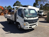 Unreserved Ex-Hire Tray Body Truck