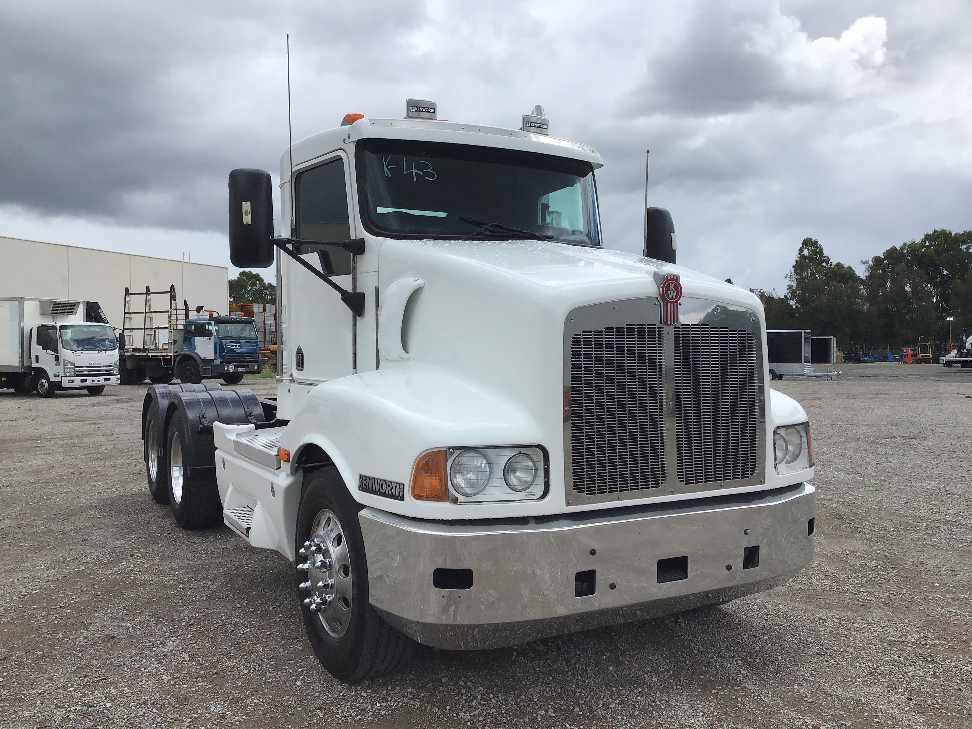 2005 Kenworth T401 6 x 4 Cab Chassis Truck