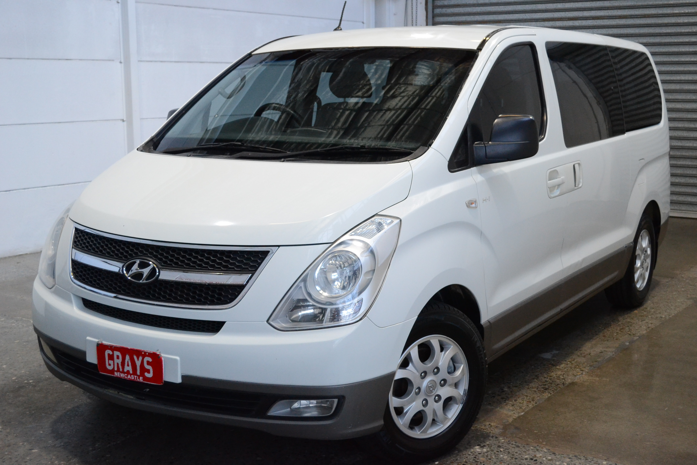 2011 Hyundai iMAX TQ Turbo Diesel Automatic 8 Seats People Mover