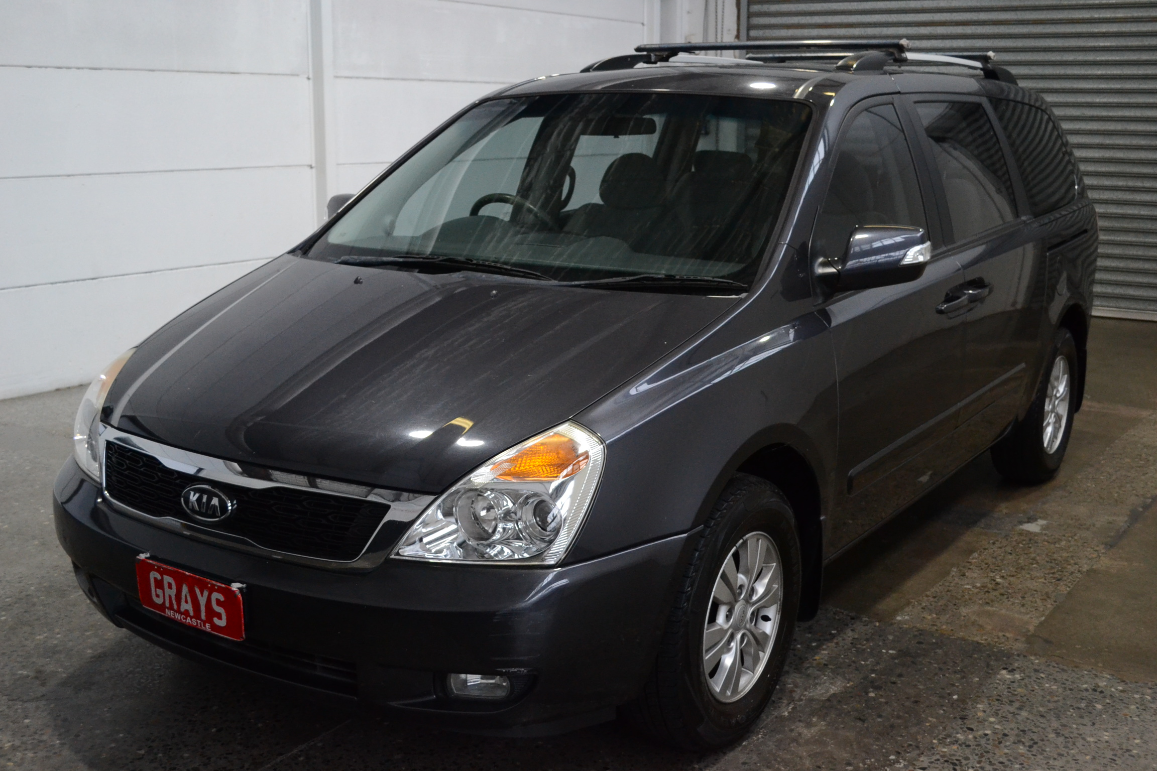 2011 Kia Grand Carnival Si VQ Automatic 8 Seats People Mover