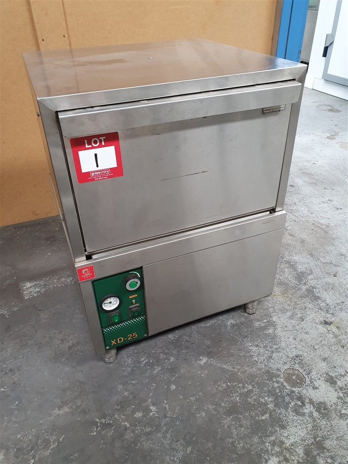 XD-25 Undercounter Dishwaser - Electric