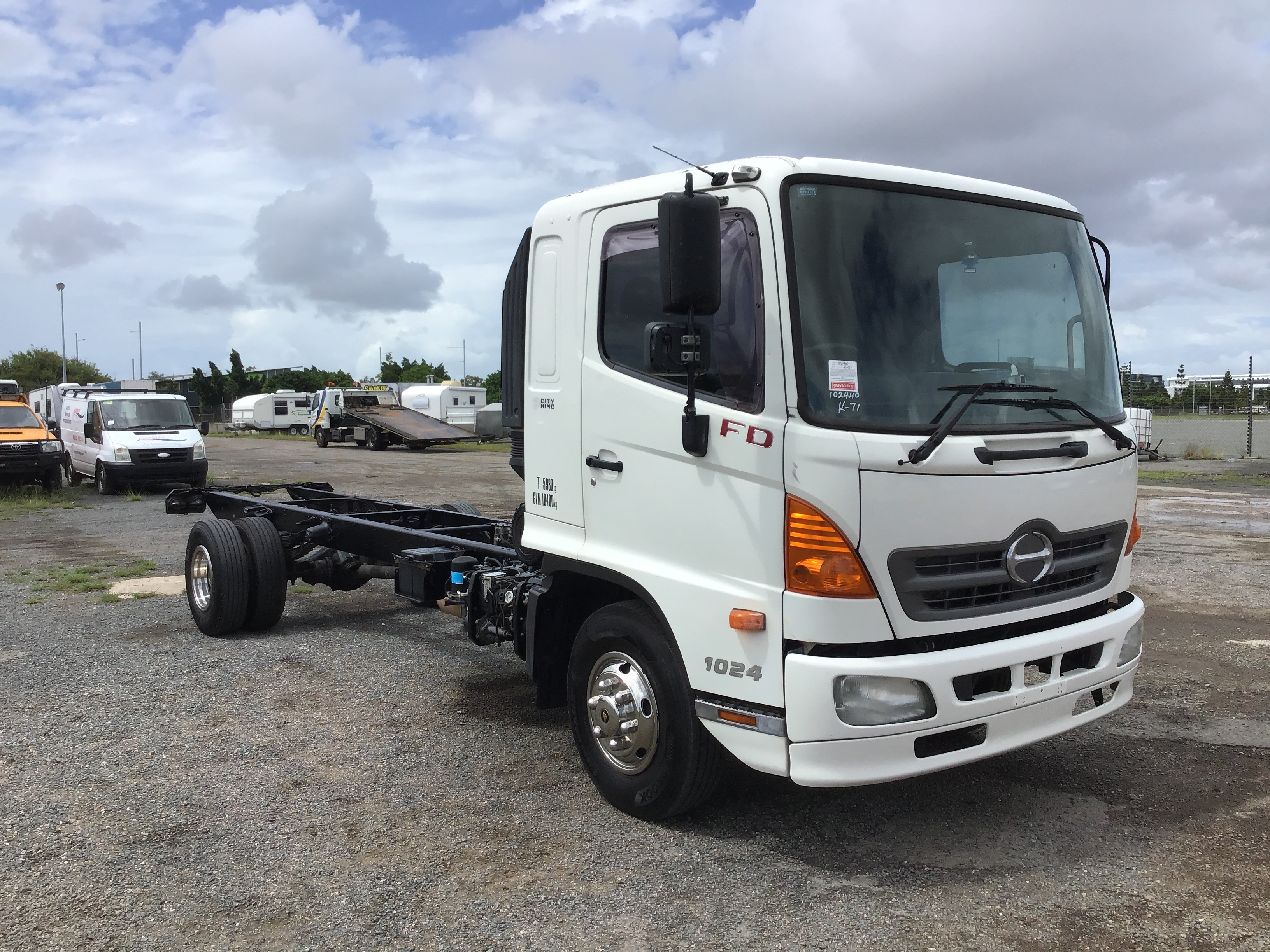 2010 Hino FD 4 x 2 Cab Chassis Truck