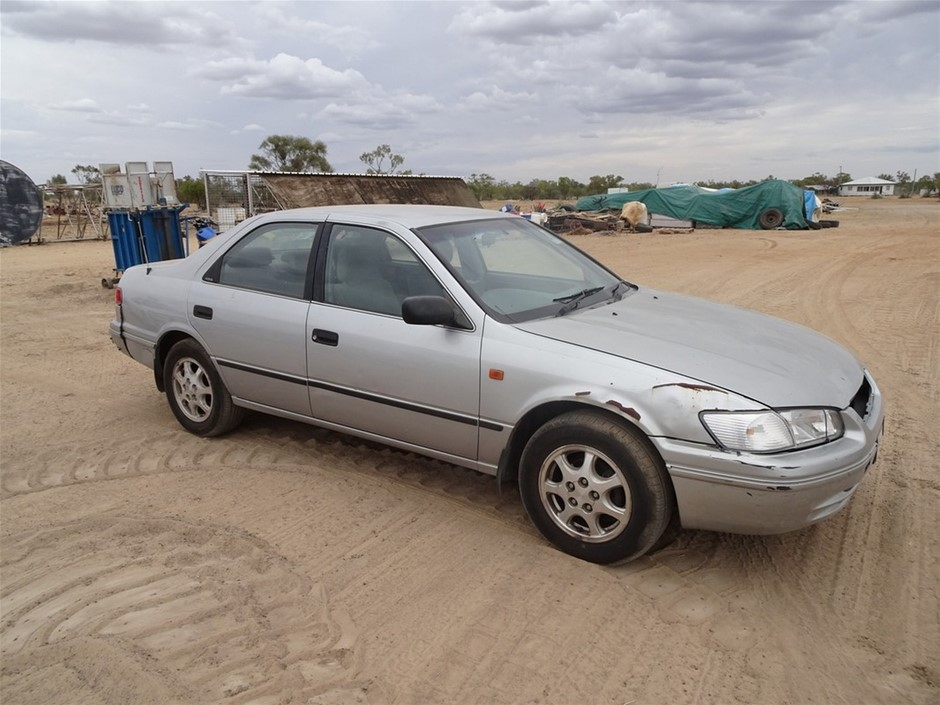 2002 Toyota Camery Sedan