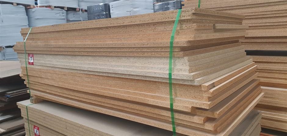 Flooring Particleboard : 1800 x 600 x 25mm. Total = 26 pcs