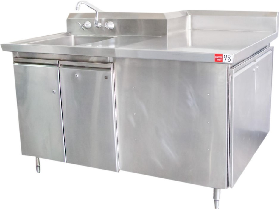 STAINLESS STEEL CORNER SINK WITH STAINLESS STEEL STORAGE CUP BOARD UNDER