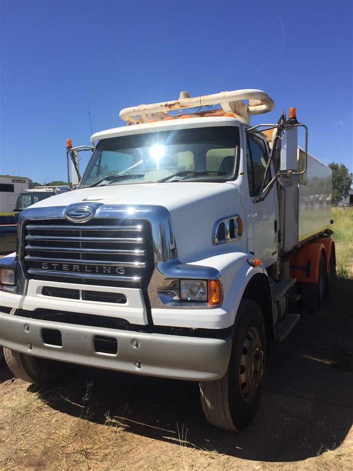 2009 Sterling LT 7500 6 x 4 Water Truck