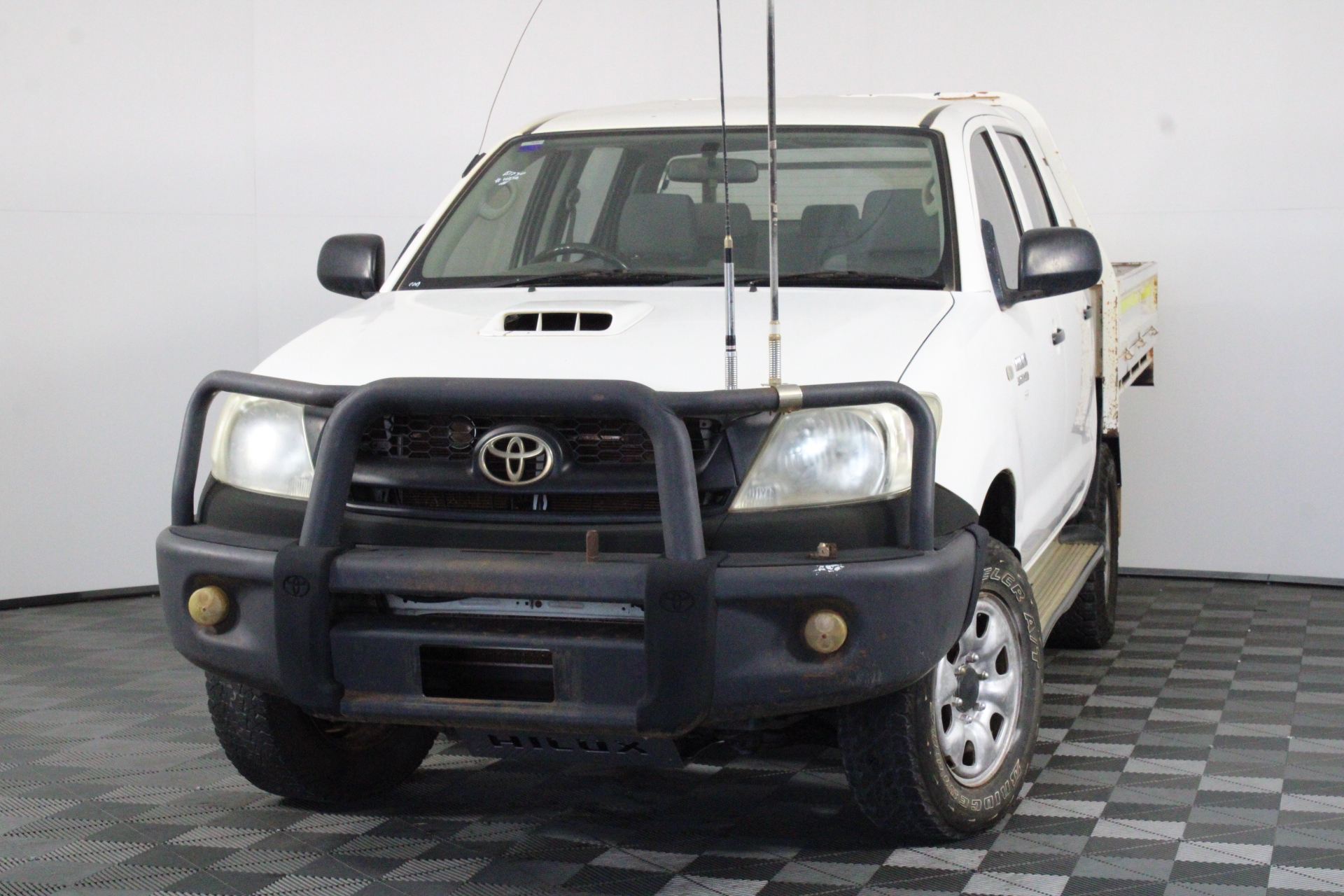 2011 Toyota Hilux SR (4x4) KUN26R Turbo Diesel Manual Crew Cab Chassis