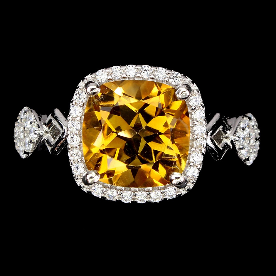 Striking Genuine Golden Citrine Ring.