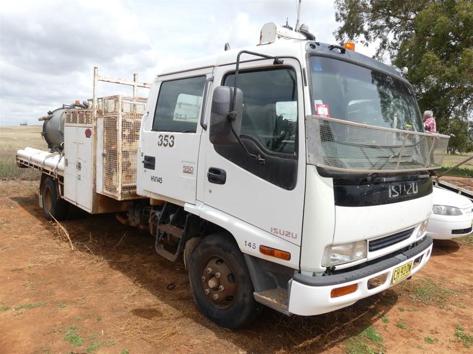 1997 Isuzu FRR550A Vacuum/Service Truck