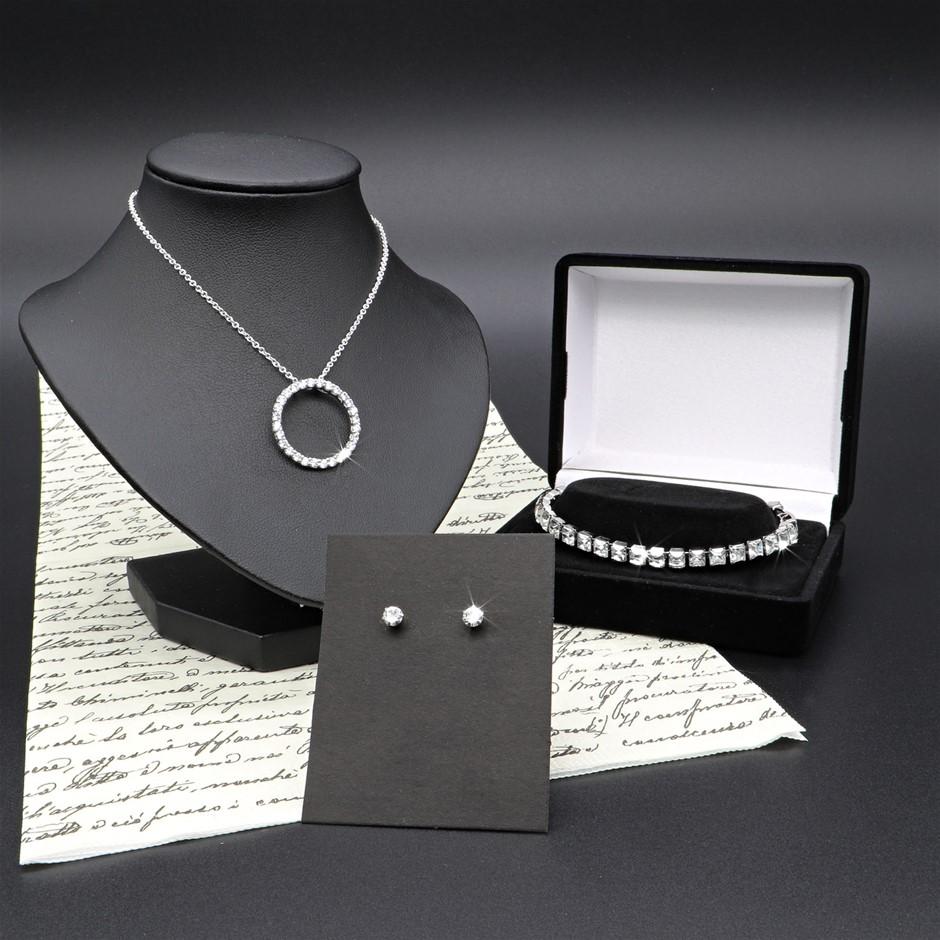 Necklace, Bracelet & Earrings Feat. Crystals by Swarovski®