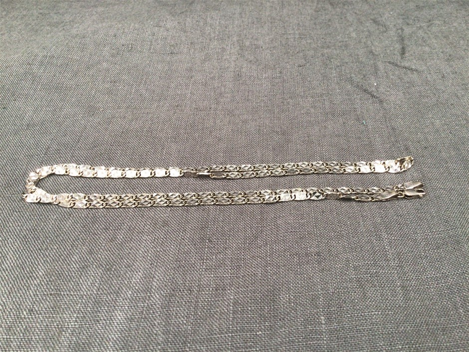 18k White Gold Necklace - 750 & Italy Stamp on both clasps