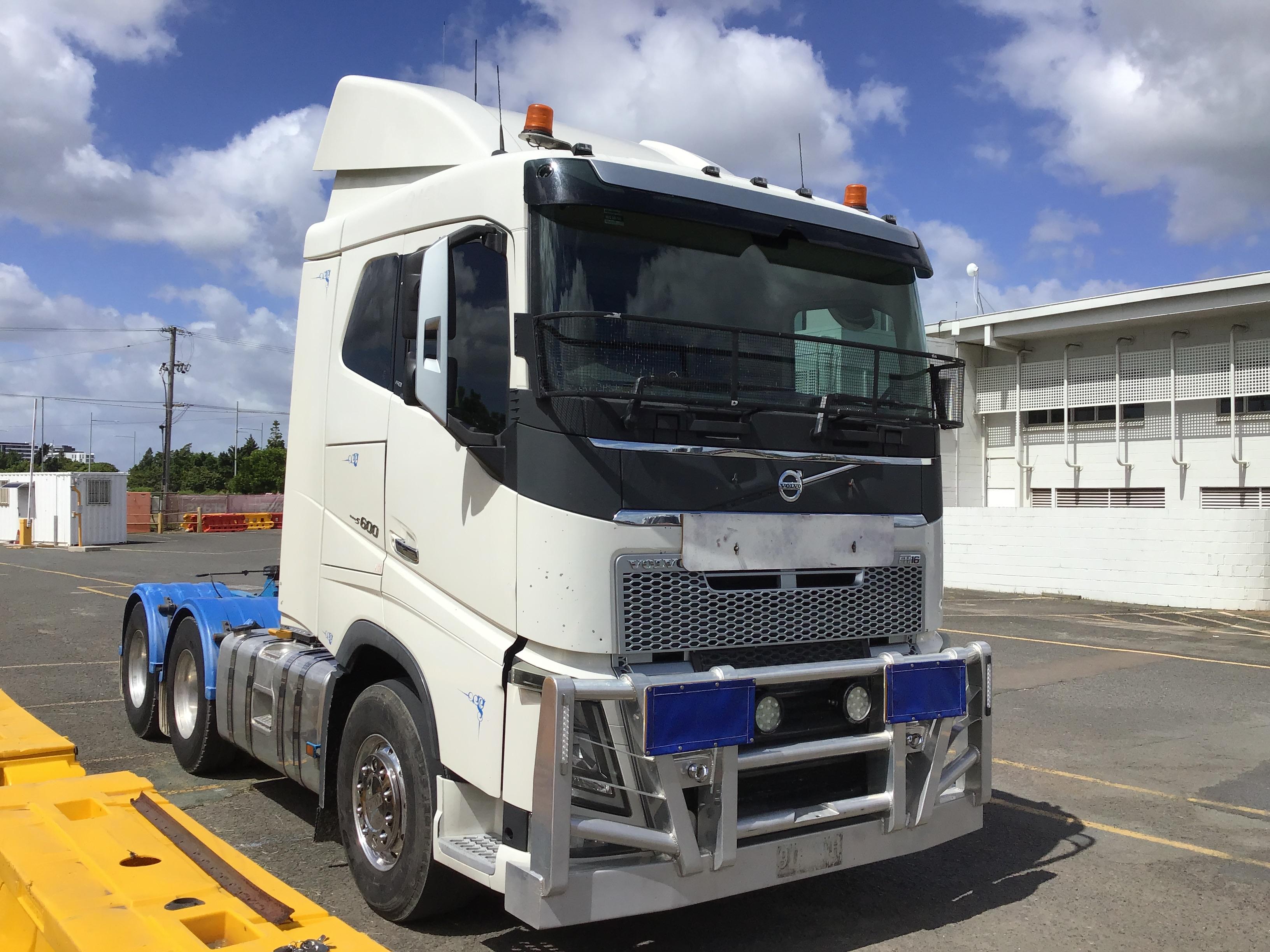 2015 Volvo FH16 6 x 4 Prime Mover Truck