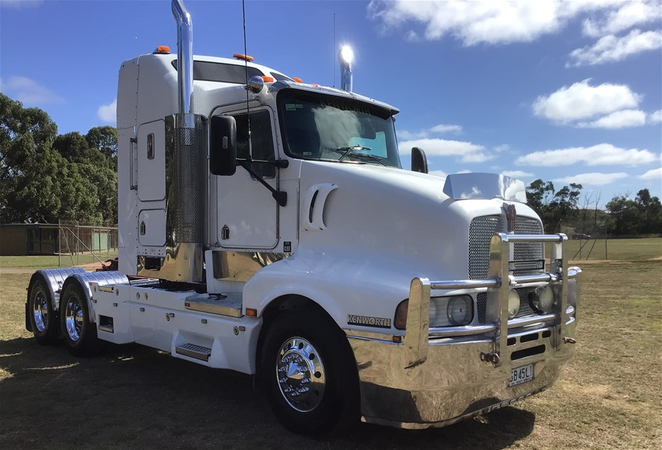 2005 Kenworth 604 6 x 4 Prime Mover Truck