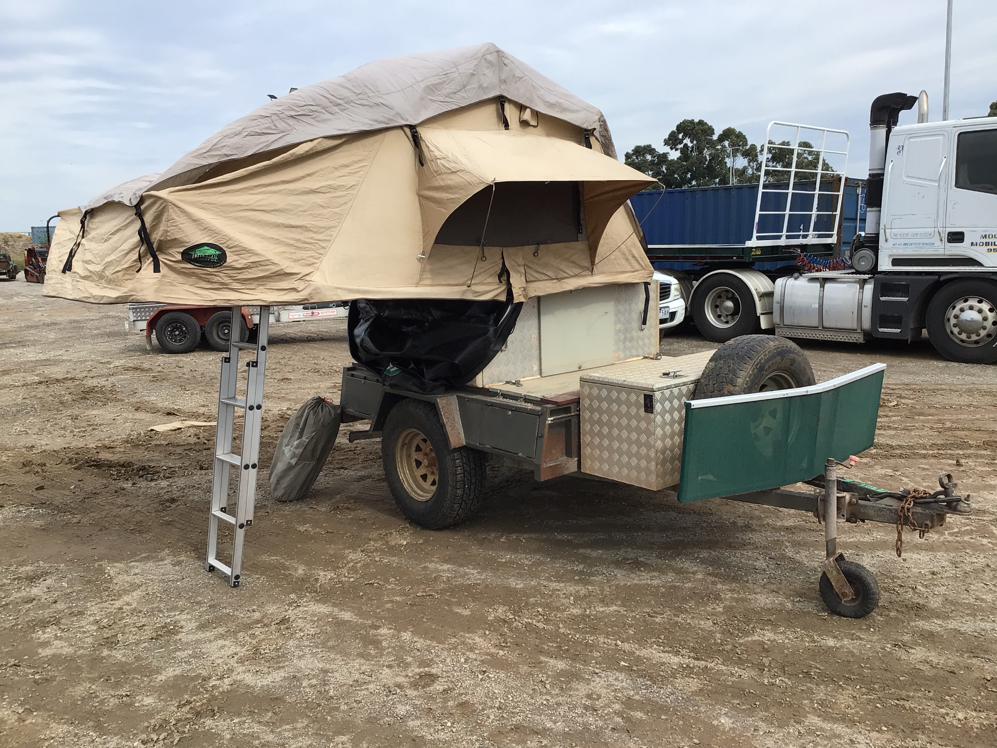 MAXXIS Off Road Camper Trailer