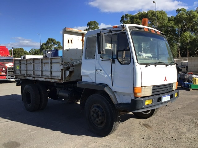 1988 Mitsubishi 4T End and Side Tipper 4 x 2 Tipper Truck