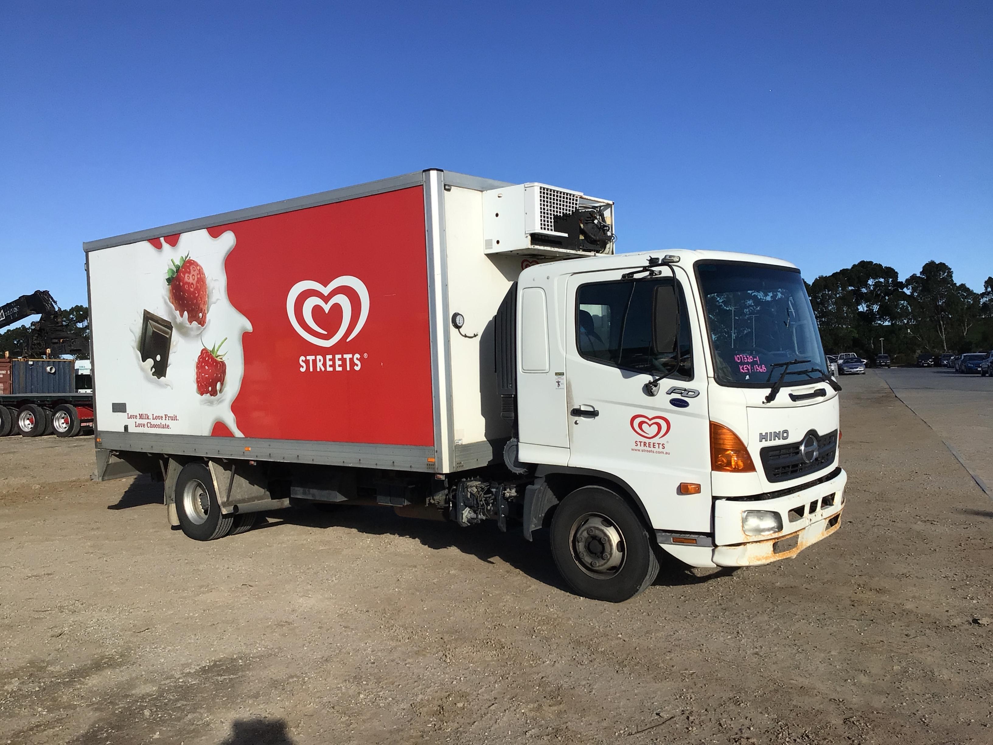 2007 Hino FD 4 x 2 Refrigerated Body Truck