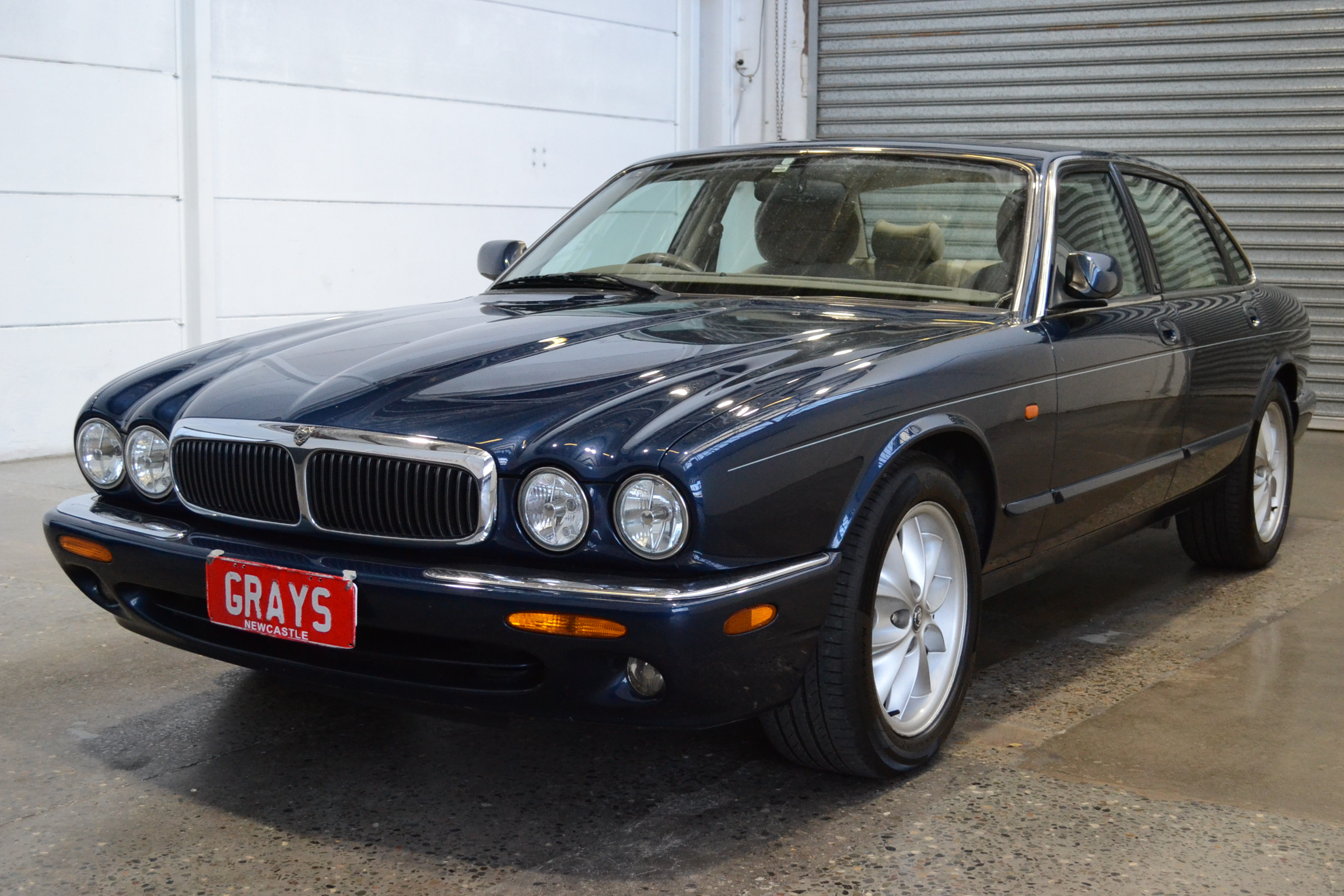 1997 Jaguar XJ8 3.2 X300 Automatic Sedan