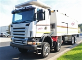 Unreserved 12/2010 Scania R420 8 x 8 Automatic Service Truck